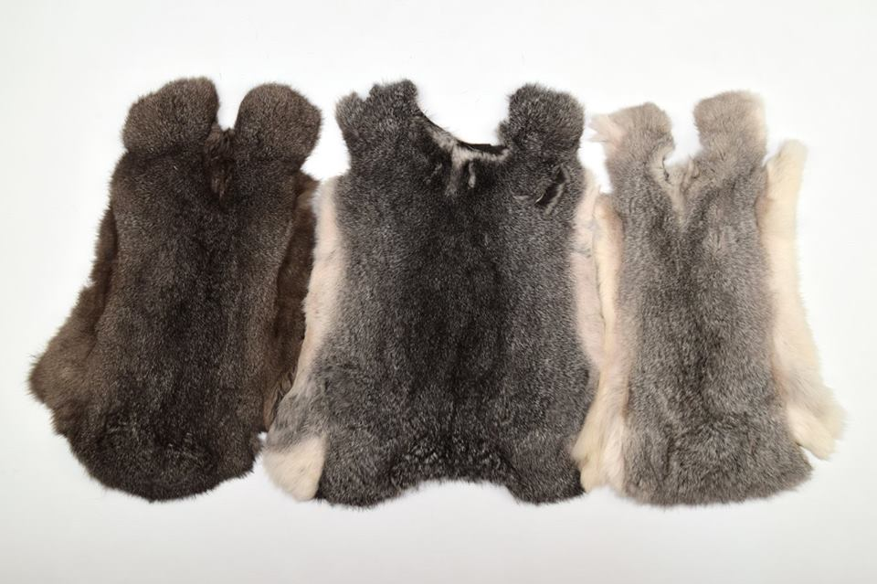 Music Memorabilia Black Rabbit Fur Rugs Dyed Rabbit Fur Blanket Real Rabbit Skin Fur Plate